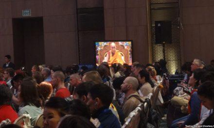 Dalai Lama Meets Tibetans From Tibet at Russian Buddhist Teachings in Delhi