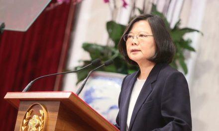Taiwan's president calls China a 'threat,' predicts turbulent 2017
